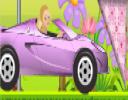 Herkes tarafından sevilen Barbie şimdide yeni bir araba aldı ve Barbie gibi h...